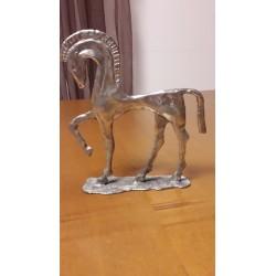 sculpture en métal cheval grec